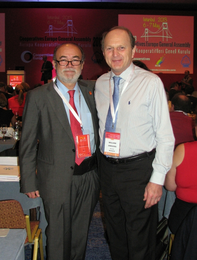 IHCO Chairperson Dr. Guisado and Multipharma President Mr. Janssens at Cooperatives Europe General Assembly